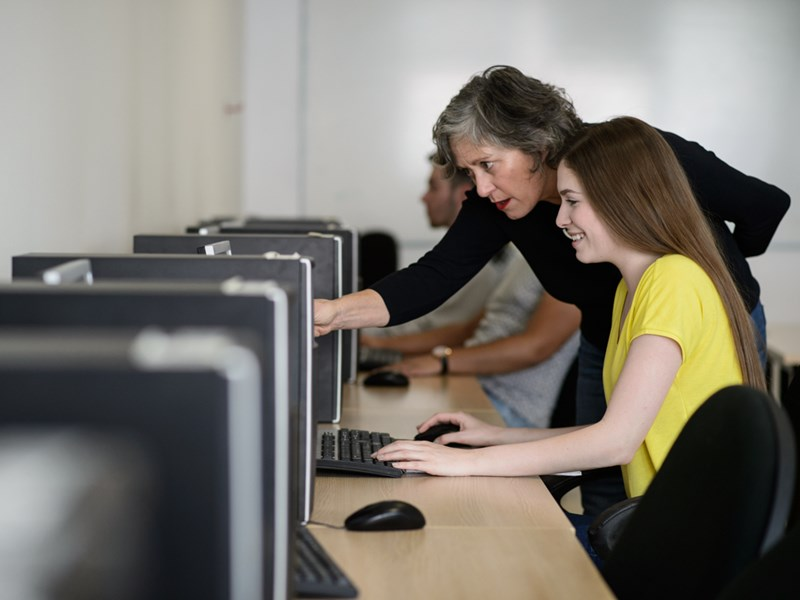 JMC Professor Laura Kelly Wins at OSUN Connected Learning Contest